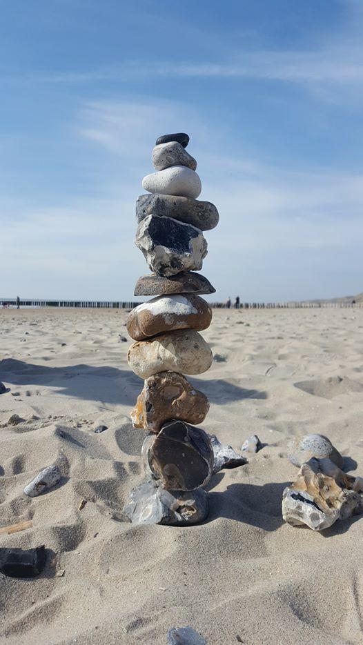 Stapelen met stenen, krijg jij het voor elkaar? Probeer het nu!
